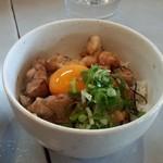 ちぐさ - セットの鳥丼 甘辛タレは食欲を刺激します