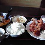 18758116 - 日替わり定食(唐揚げ)に特製タンタン麺を追加で