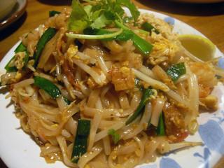 バーン・キラオ パラダイス - パッタイ (タイ風焼きそば)Thai Style Fried Noodle 840円