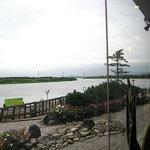 シーフードレストラン オールドリバー - 石狩川が見えます