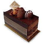 ル・ポミエ - ピエモン ヘーゼルナッツたっぷりのチョコレートケーキ。