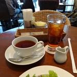 ハーブス - ランチサービスの紅茶とアイスティー
