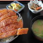 山六食堂 - ソースカツ丼850円