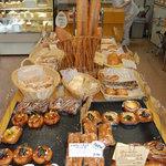 クック - おしゃれな感じです。パンの種類がとても豊富なので目移りしてしまいました。