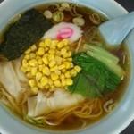 福竜 - 料理写真:ワンタンメン650円