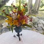 フランス料理 梓屋 - テーブルには違うお花が!全て生花ですよ。