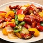スリランカ料理 ラサハラ - ソーセージデビル700円 ソーセージのピリ辛野菜炒め