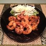 スリランカ料理 ラサハラ - スリランカBBQエビ(カレーテイスト)Lサイズ1400円