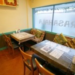 スリランカ料理 ラサハラ - BOXテーブル席(約10名まで可)
