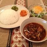 スリランカ料理 ラサハラ - シンハラセット700円(ランチ) カレー1種とライス