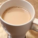 スリランカ料理 ラサハラ - キリティー(チャイ)300円 スパイス入りミルクティー