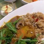 自然派カフェ 米野かりぃ堂 - スパイシーカリーのたっぷり野菜