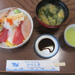 かつを亭 - 料理写真:海鮮丼(1100円)
