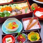 美々卯 - うどんすき『なにわコース』4500円 前菜三種(刺身入) うどんすき デザート