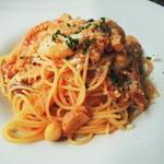 アンディアモ - トリッパと色々な豆のトマトスパゲッティー