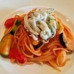 ヴァチナーラ - 【パスタ】シラウオと初夏の野菜のトマトスパゲッティ