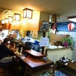 すずかづ - 開店時こそ席に余裕があったが、時間がたつにつれ店内はぶん混み状態に!