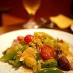 オステリア チ ヴェディアーモ - ホタルイカと春野菜のサラダ