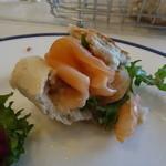 18795382 - こうして挟むと、典型的なフランスのサンドイッチです!
