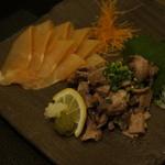 博多華味鳥 - 前菜の鶏胸肉の生ハムと鶏ももの炭火焼