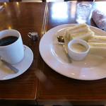 カフェヨシノ - 料理写真:ブレンドコーヒーとエッグサンド