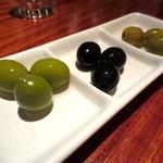 Bar Ladrillo - オリーブ盛り合わせ