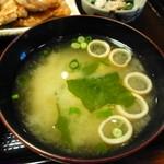 とんかつ錦 - 暖かい味噌汁