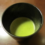 京料理 八平 - ほうれん草と新玉ねぎのすり流し