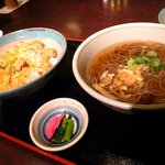 今日亭 - 料理写真:親子丼定食790円(税別)