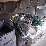 国分寺そば - 玄蕎麦から仕入れをし、石貫、磨きをして製粉しております。