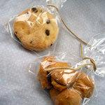 1881767 - 左・ウェルシュケーキ 右・森のリスさんクッキー