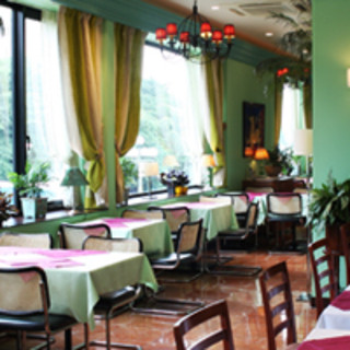 イタリアンレストランの伝統が感じられる内装。