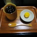 18816335 - 黒豆ゼリー・栗付き