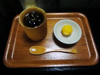 紫仙庵 - 黒豆ゼリー・栗付き