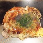 ほり川 - お好み焼き そば 肉、イカ天、卵入り