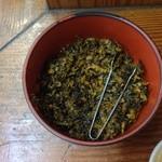 18818804 - テーブルにある高菜です。程よい辛さです。