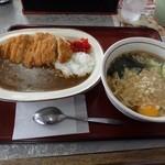 山田うどん - 料理写真:カレーセットで、「カレー」に「カツ」、「ソバ」に「卵」
