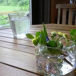 パン工房ゴーシュ+CAFE - テーブル