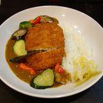インドの東 - チキンかつカレー+野菜