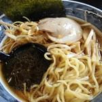こだわりラーメン一徹 - ネギらーめん 麺&汁アップ
