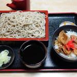 京屋 - 豚肉丼定食 850円