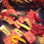 18829293 - 肉おまかせ5種盛(300gぐらい) 3200円