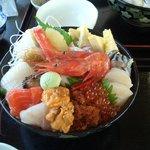 1883074 - 鮮度抜群、ボリューム満点の海鮮丼