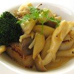 ヴァン・ヴェール - 魚料理:帆立のソテー キノコクリームソース