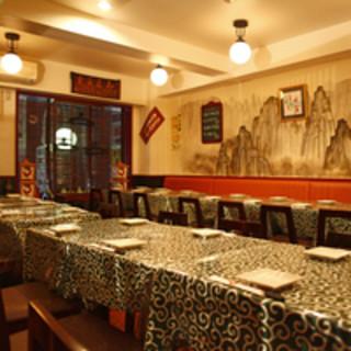 本場中国の風情漂う、アットホームな中華食堂