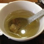 牛タンの店 赤間精肉店 - これまた定番テールスープ、これはちょっと出汁が弱かった