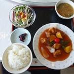 中国料理かすが - 酢豚定食(650円)