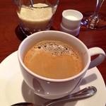 ラトリエ ド ルキャン - 食後のコーヒー。濃いめです。