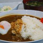 喫茶まるゆ - 温たまカレー/サラダ・味噌汁付き