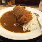 松乃家 - 深夜に食べた大盛ロースかつカレー